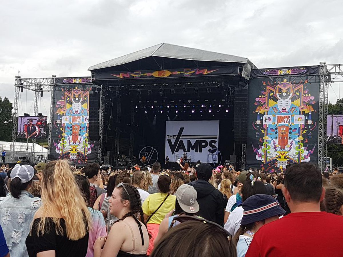 The Vamps play at V