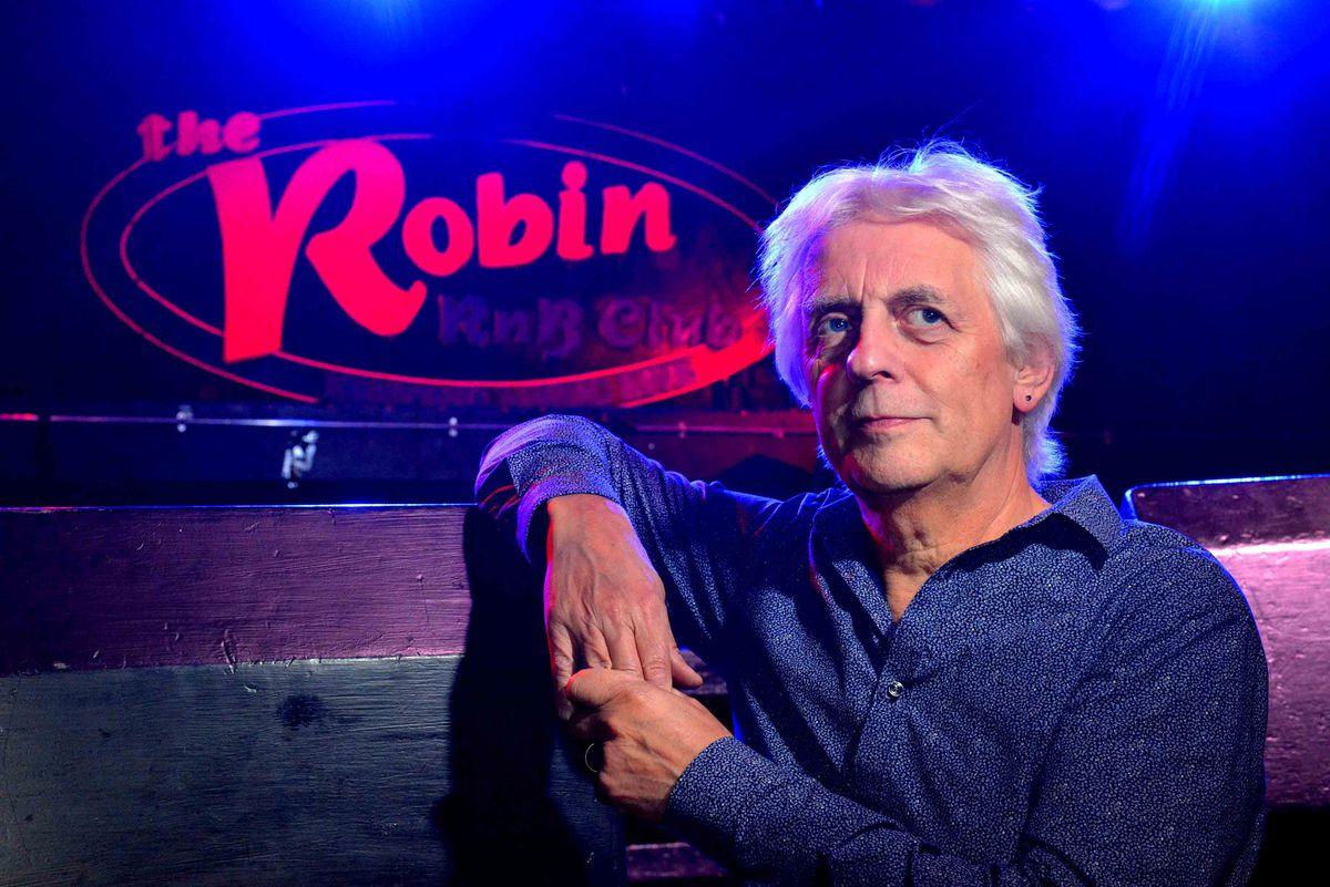 Mike Hamblett at the Robin 2