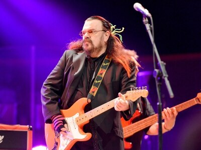 Wizzard legend Roy Wood cancels gig after tour van stolen