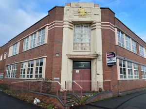 A prominent art deco former office building in Wolverhampton is to be turned into 21 luxury apartments..The two-storey Beldray building in Mount Pleasant, Bilston, was previously used as Children's Services offices by Wolverhampton Council