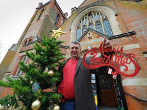 Chris Dowd wishes you a merry Christmas!