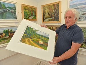 CANNOCK  COPYRIGHT TIM STURGESS EXPRESS AND STAR...... 01/07/2021  Landscape artist Mel Thomas from Burntwood  has an exhibition at the museum of Cannock Chase ..