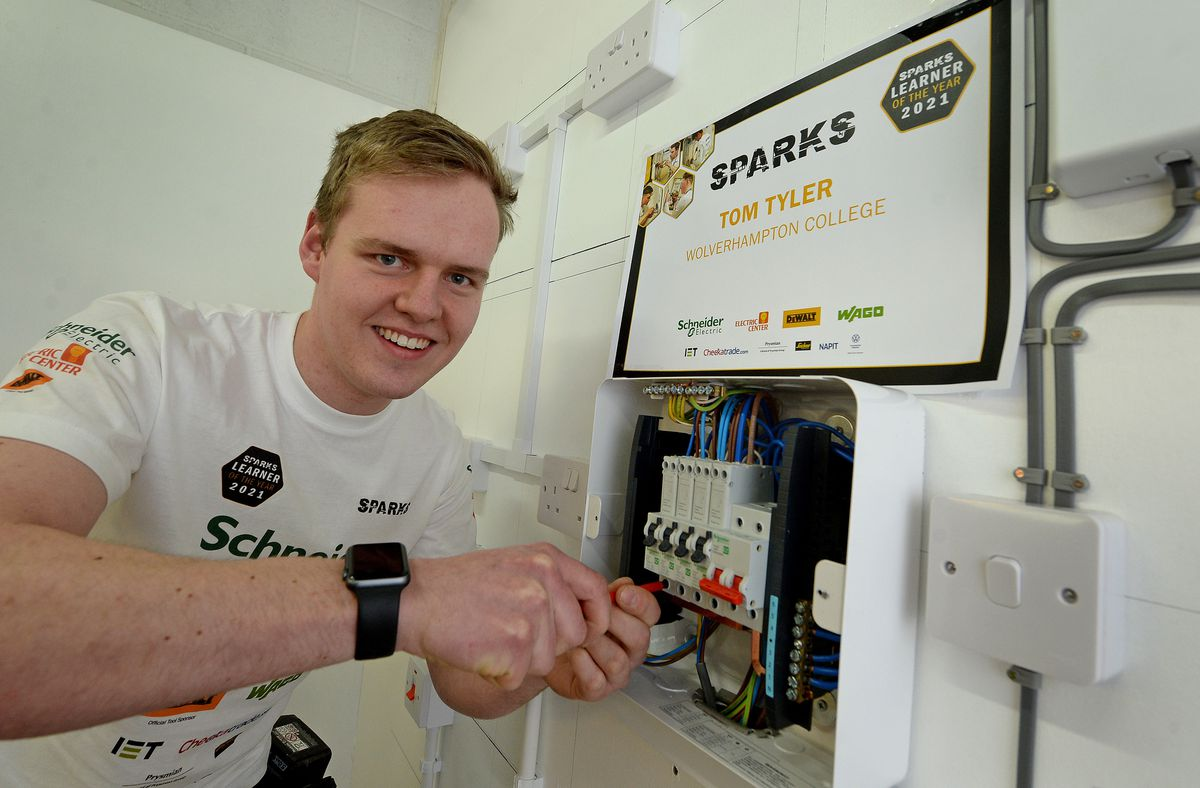 Wolverhampton College electrical apprentice Tom Tyler has won the national Learner of the Year competition