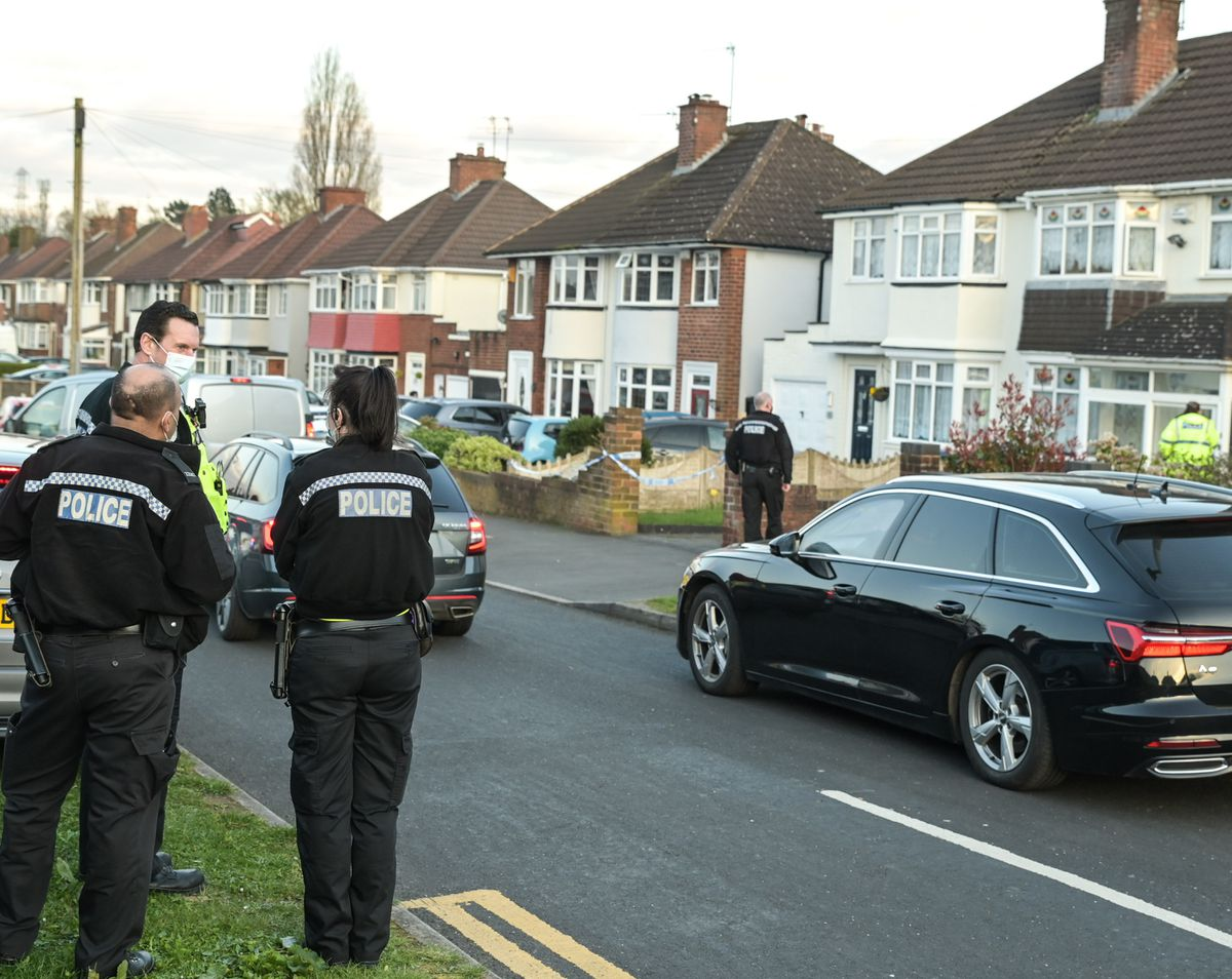 Police at the scene on Boundary Avenue. Photo: SnapperSK