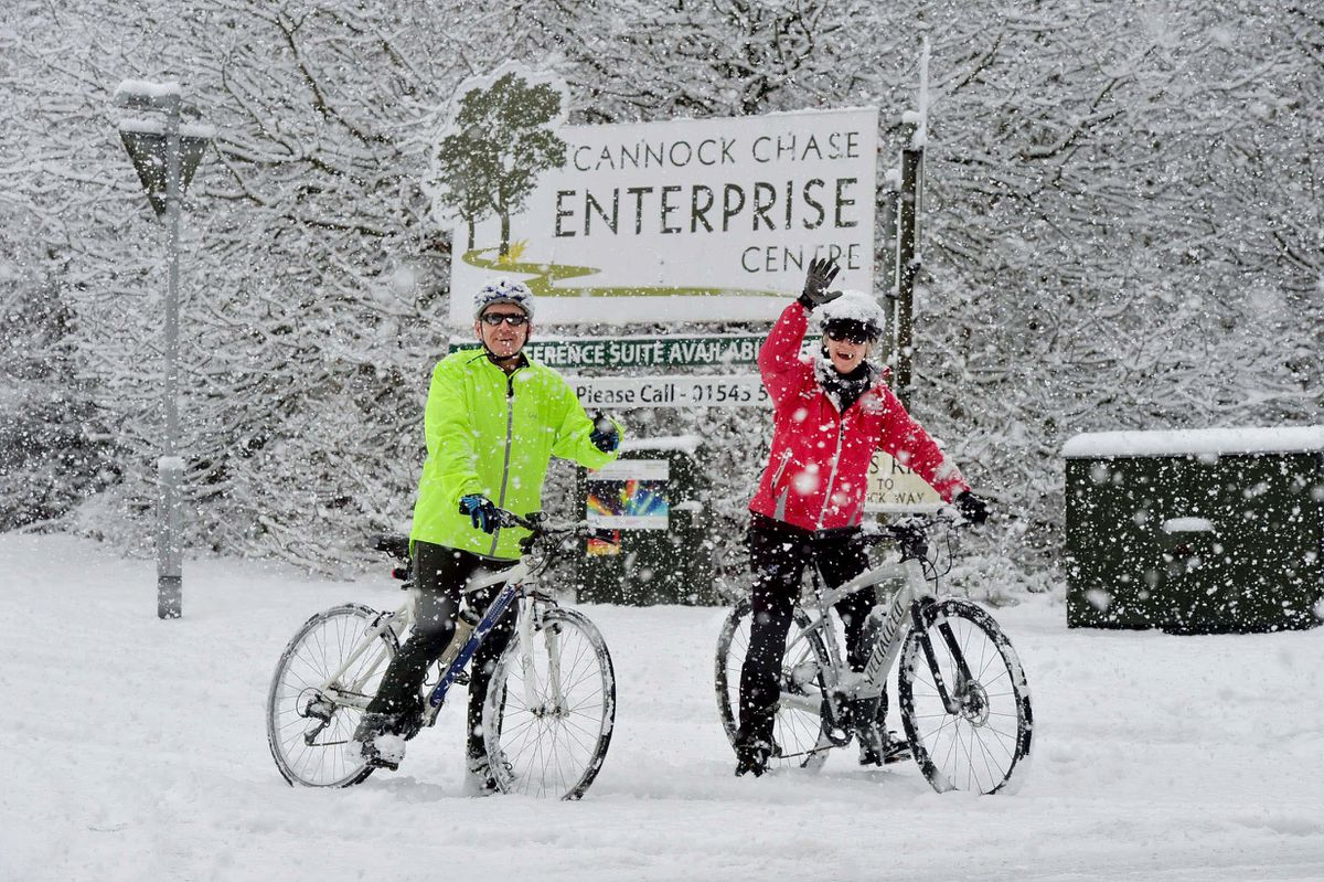 Cycling through the snow in Hednesford