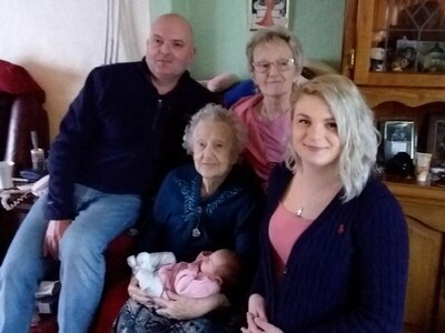 Baby girl Brooke is fifth generation in Wolverhampton family