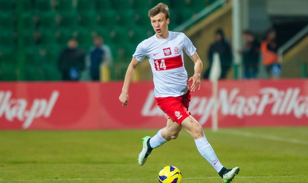 Arsenal's Krystian Bielik moves to Walsall on loan