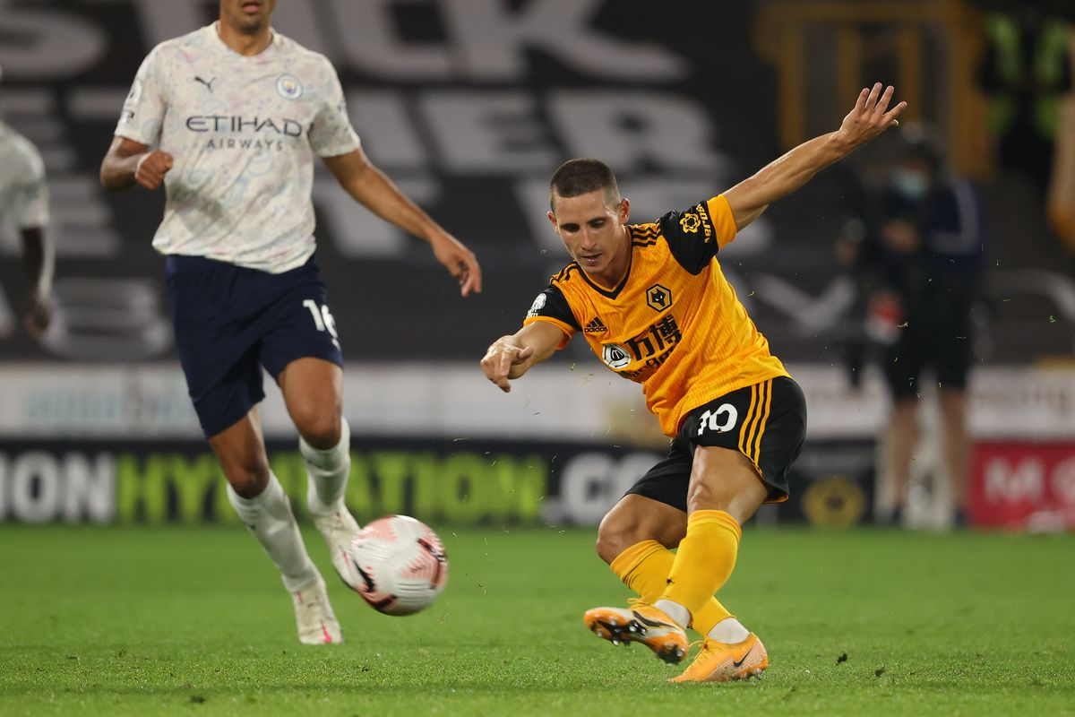 Daniel Podence of Wolverhampton Wanderers misses with a shot (AMA)