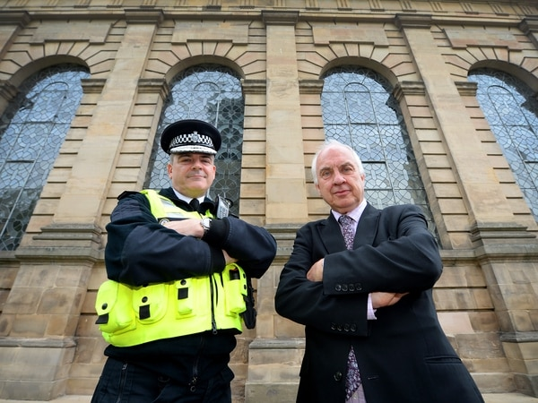 Police chiefs in call for 2,000 new officers