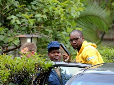 Zimbabwe police arrest prominent government critic