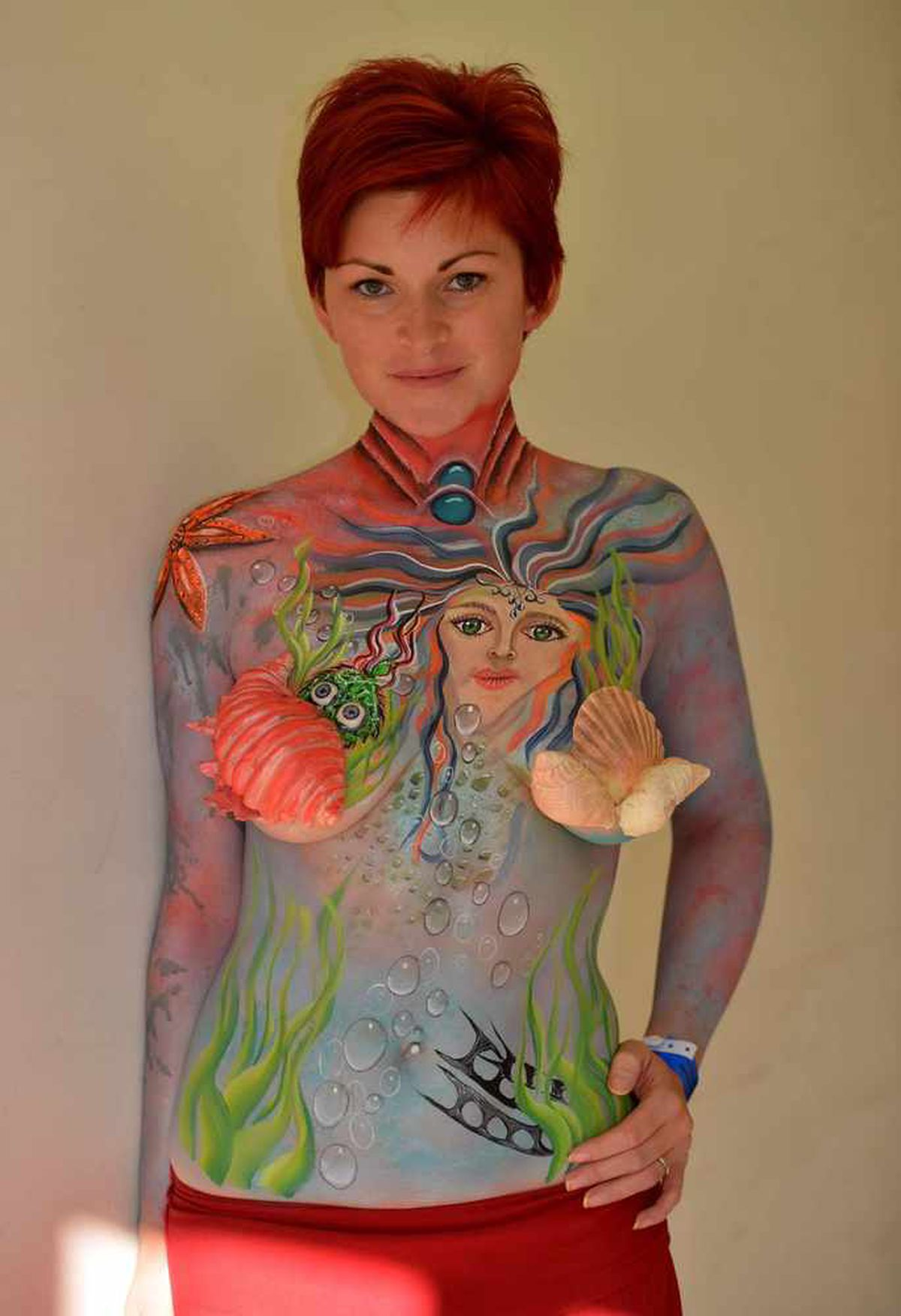 Model Laura Draycon from Cambridgeshire was painted by Yvonne Zonnenberg from Holland