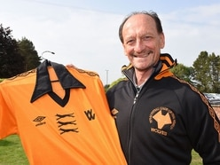 Sir Bobby Charlton pens letter to 'influential' Wolves legend Kenny Hibbitt