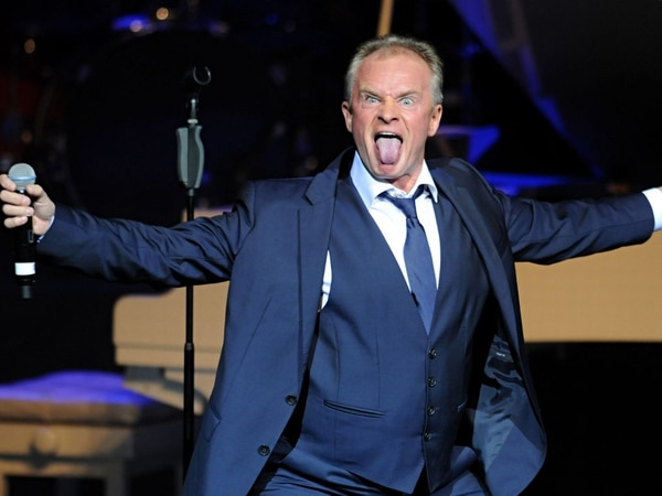 Bobby Davro to perform in Darlaston