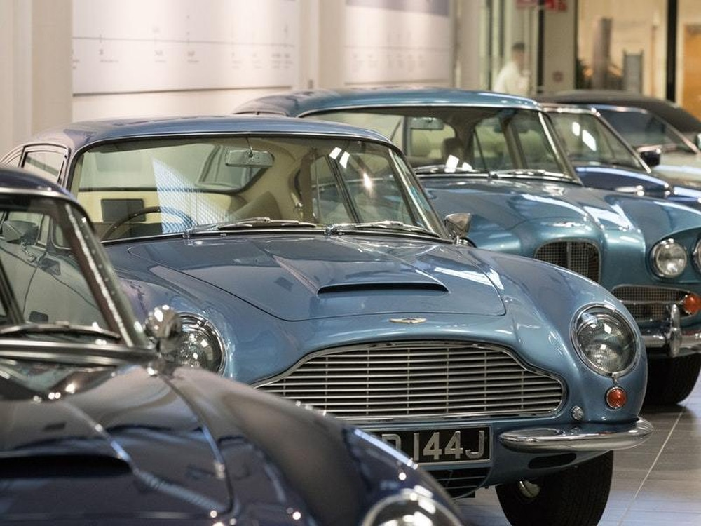 Aston Martin falls 5% in London IPO