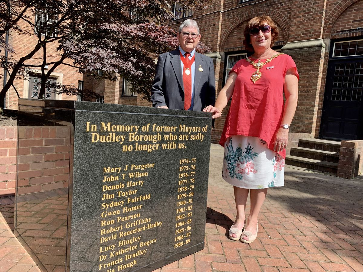 Alderman Melvyn Mottram and the Mayor of Dudley, Councillor Anne Millward with the memorial