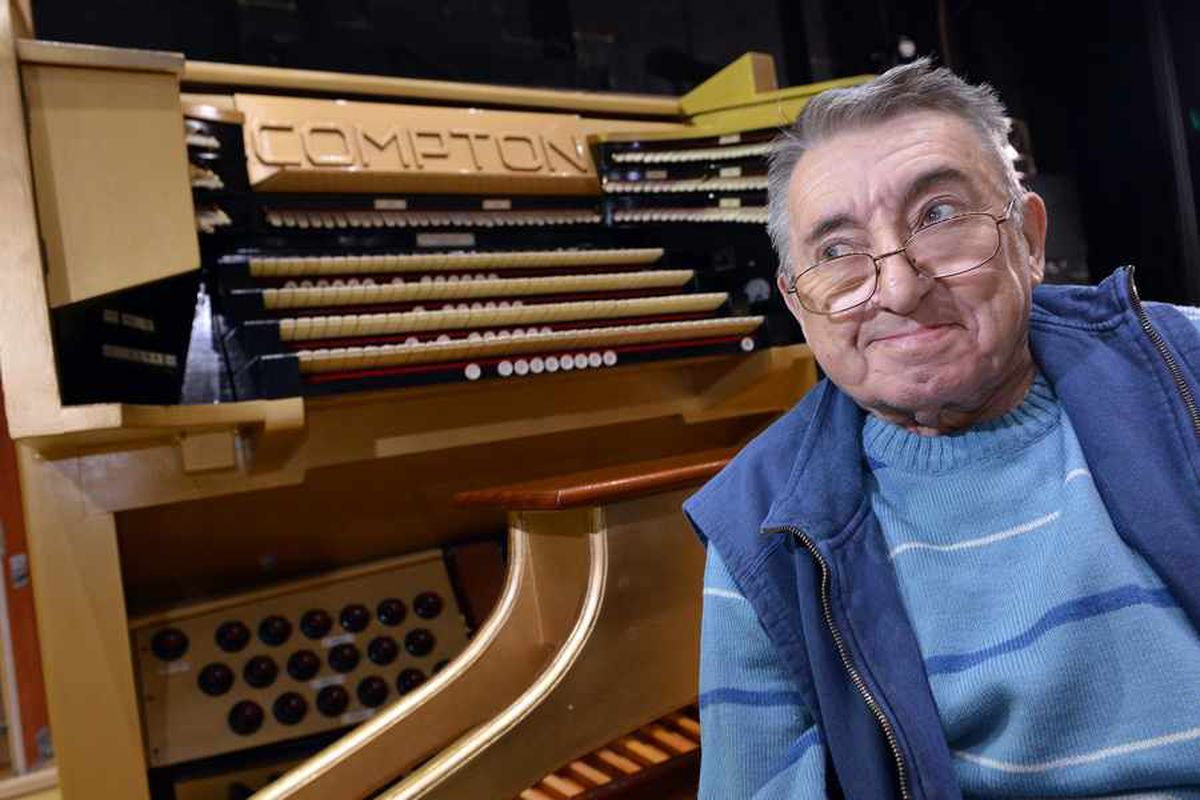 Wolverhampton's resident organist Steve Tovey dies