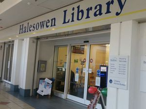 UNISON demands workers at Halesowen Library need better wages