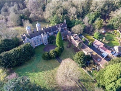 Fancy a mansion? This massive 20-bedroom Bewdley home could be all yours for £500k