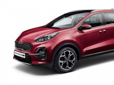 New mild hybrid powertrain and updated design for Kia Sportage