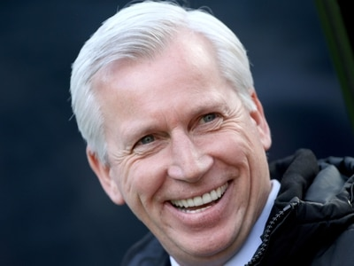 Alan Pardew closes in on West Brom job
