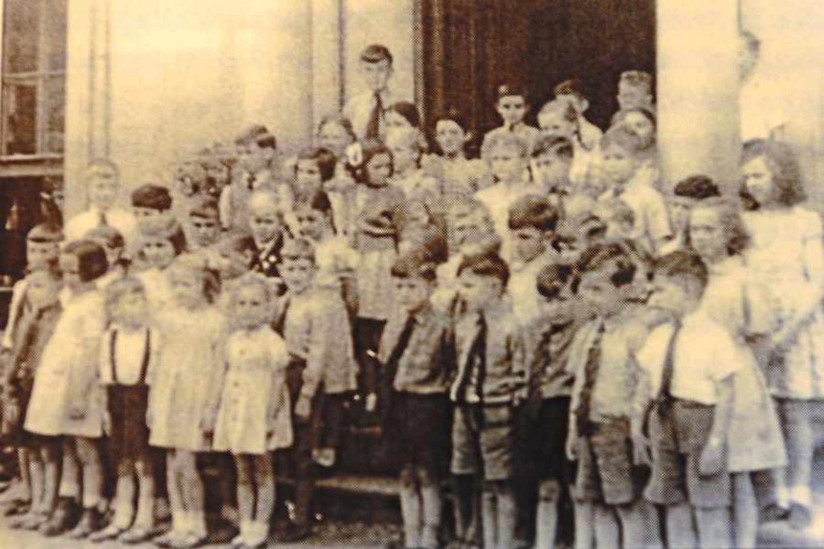 Children in 1945, as featured in the book Dear Cedric, by evacuee Patricia Mashiter Cooper
