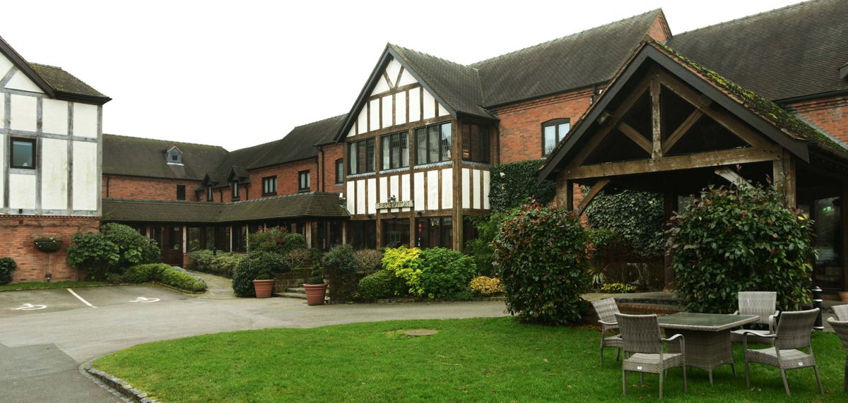 The Moat House  at Acton Trussel is a luxurious venue where people can enjoy special occasions