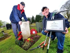 Act of kindness to tend Second War World airman's grave - PICTURES and VIDEO