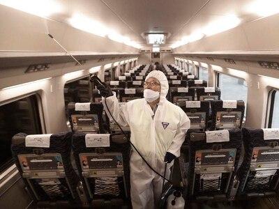China building hospital to treat coronavirus as lockdowns expanded