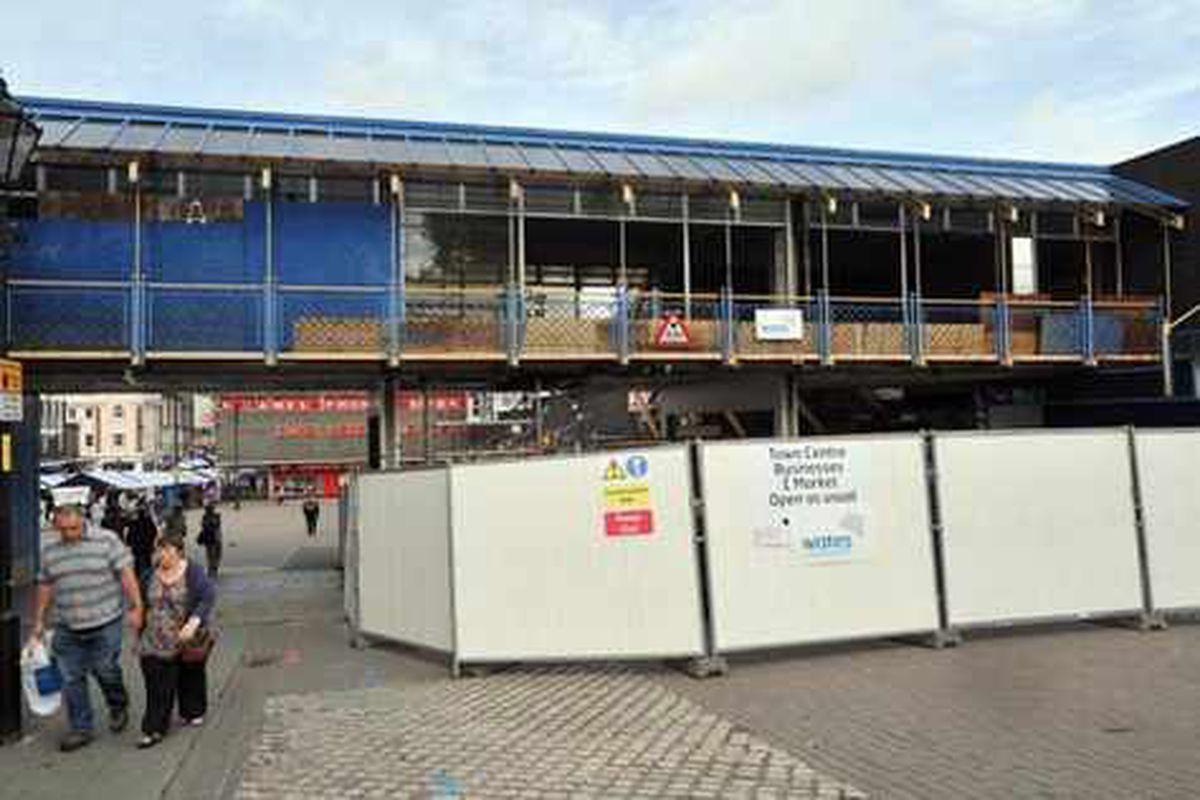 Demolition of 'hated' eyesore starts