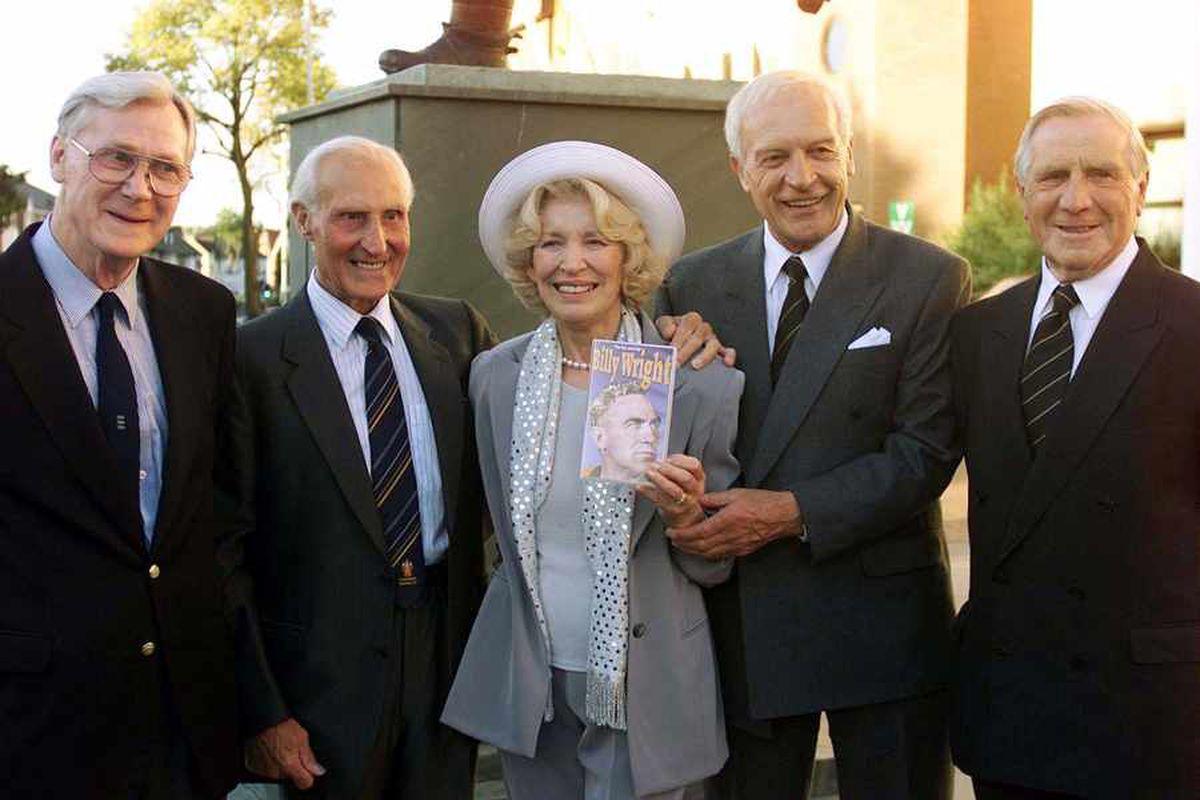 Joy Beverley, widow of Wolves legend Billy Wright, dies at 91