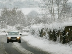 How to drive safely in frosty conditions