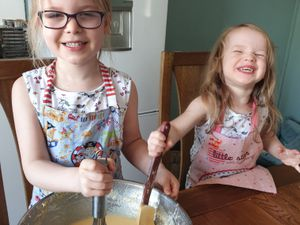 Poppy-Mai Maddox has set up 'Princess Poppy's Bakery' with the help of her sister Millie to create cakes for people in Albrighton to raise £185 for the NHS