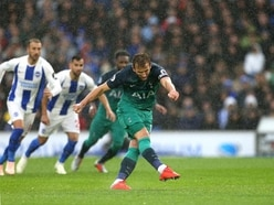 Kane ends goal drought to help Tottenham get back to winning ways