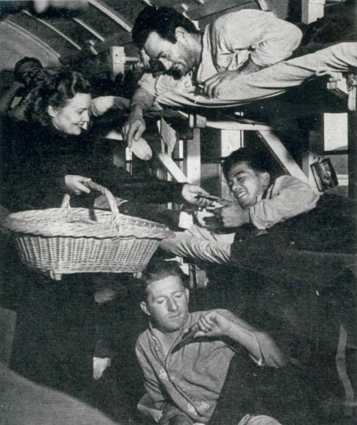 Madeleine Carroll with troops during the Second World War
