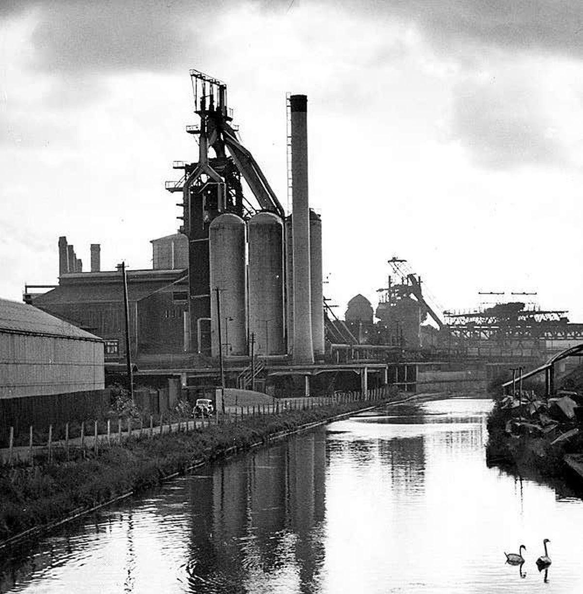 Bilston steel works pictured in 1959
