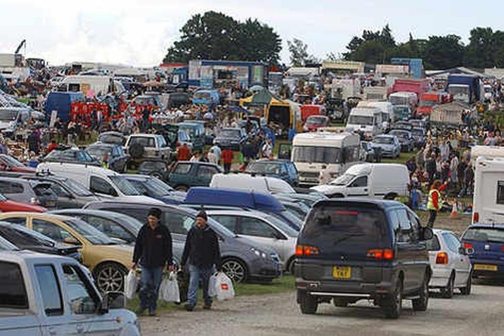 Sunday Car Boot Sale Featherstone