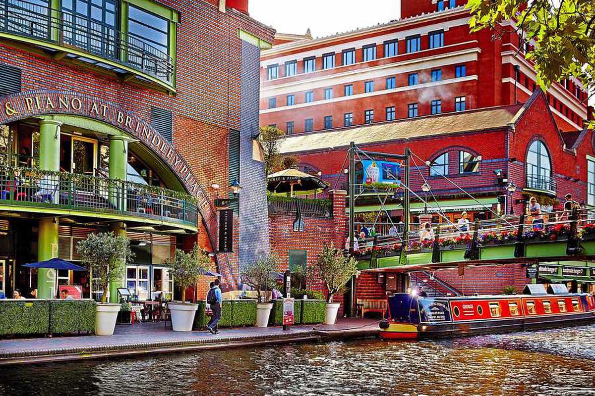 The regeneration of Birmingham's canalside