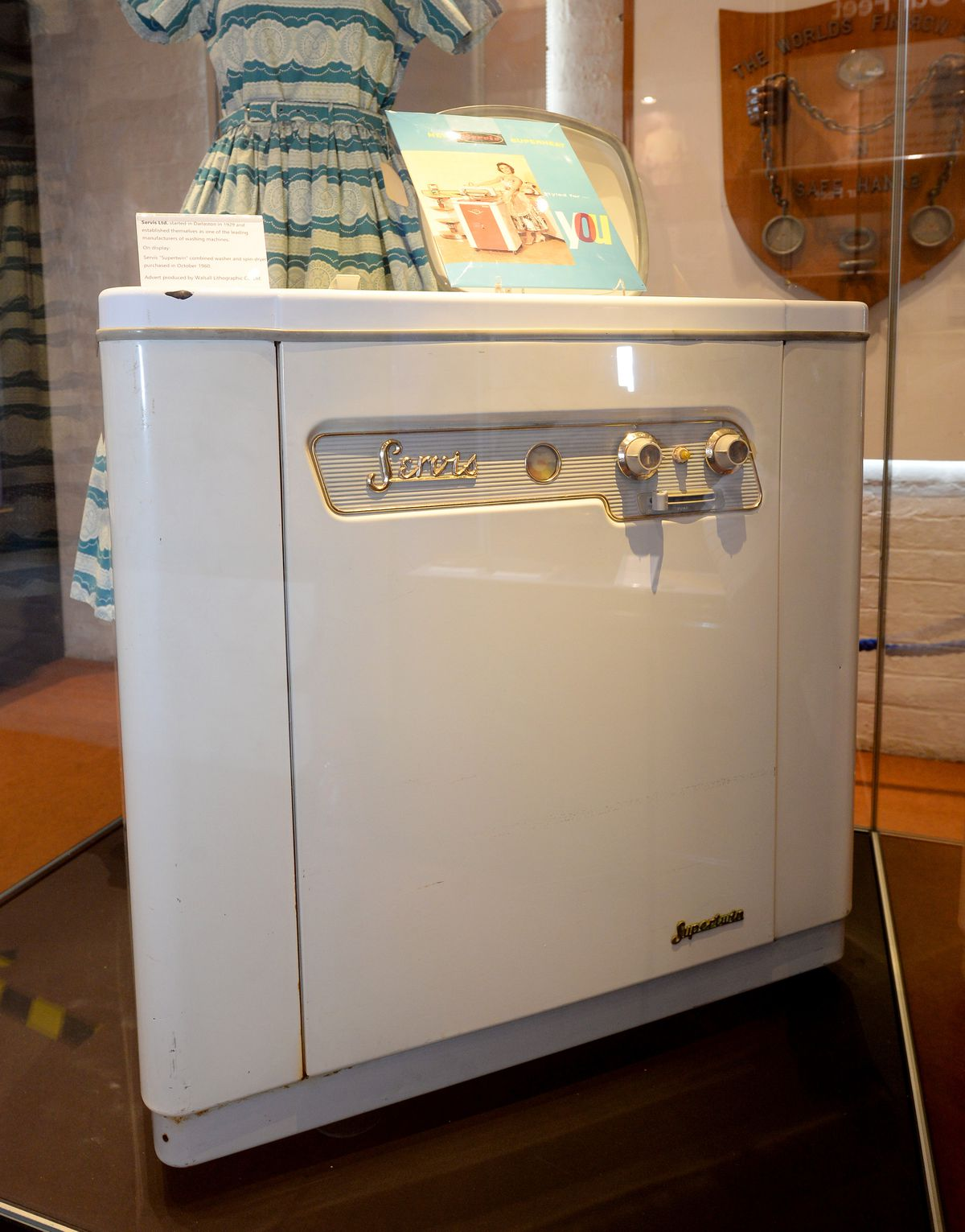 Servis Ltd started in Darlaston in 1929, and this was one of their early washing machines
