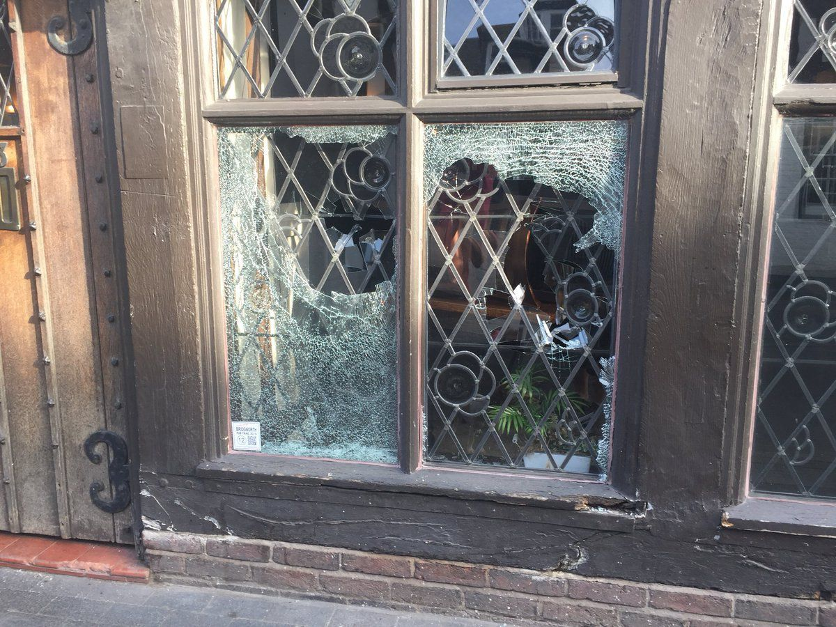 Lead windows smashed at The King's Head, Bridgnorth High Street