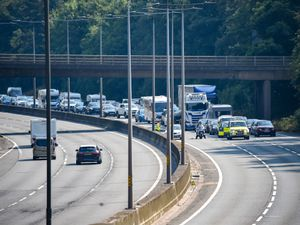 Traffic stopped on the M5. Photo: SnapperSK