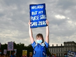 In Pictures: NHS staff march to demand pay rise