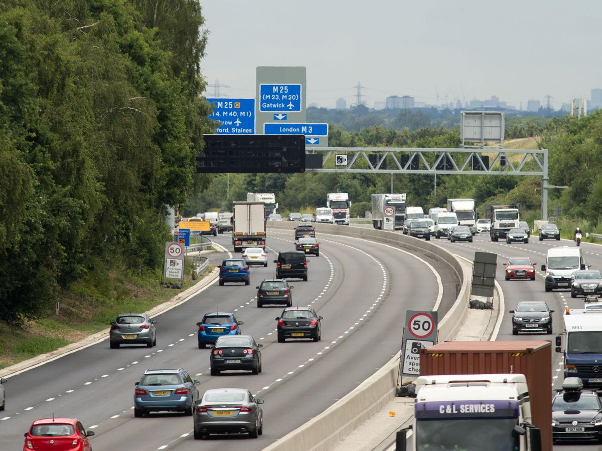 Vehicles on a smart motorway stretch of the M3