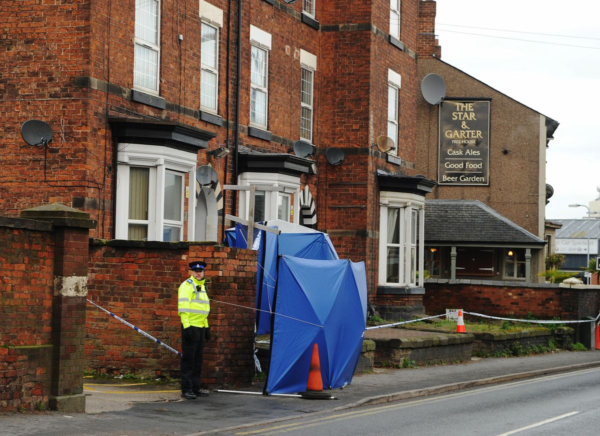 The flat is close to the Star and Garter pub in Wolverhampton Road