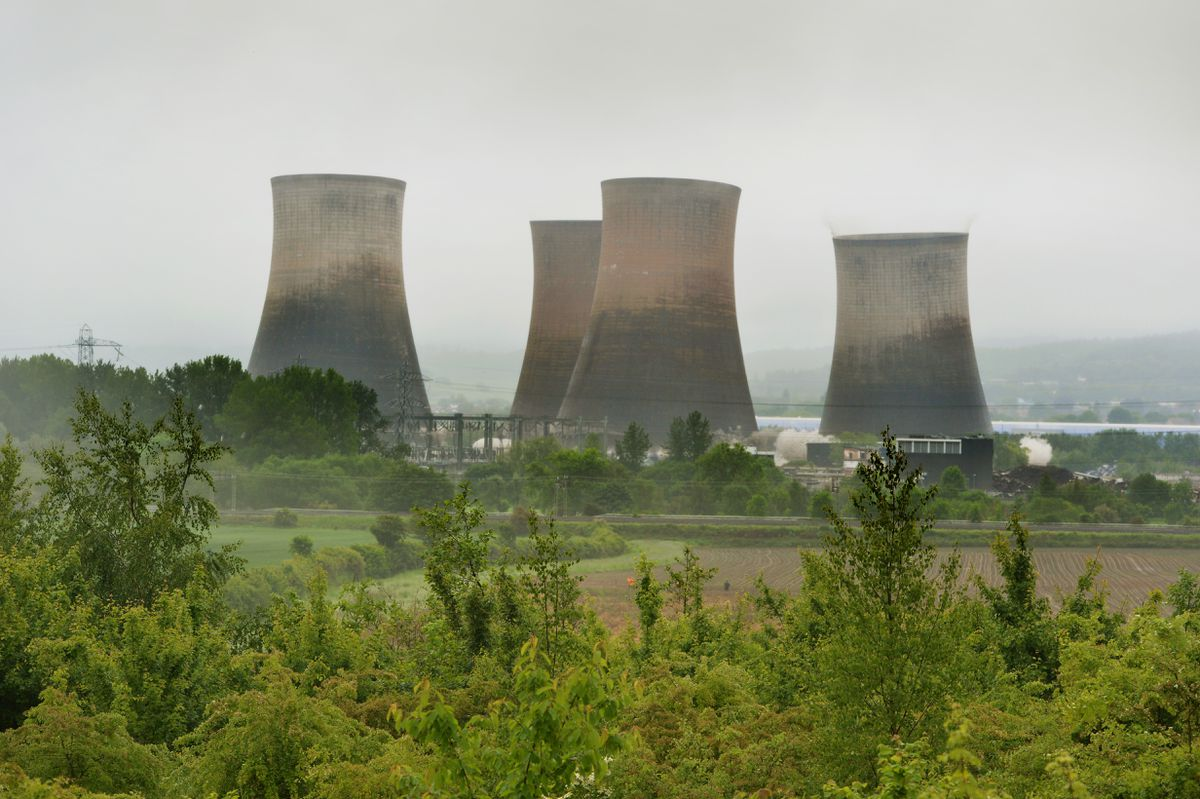The cooling towers Rugeley Power Station being demolished