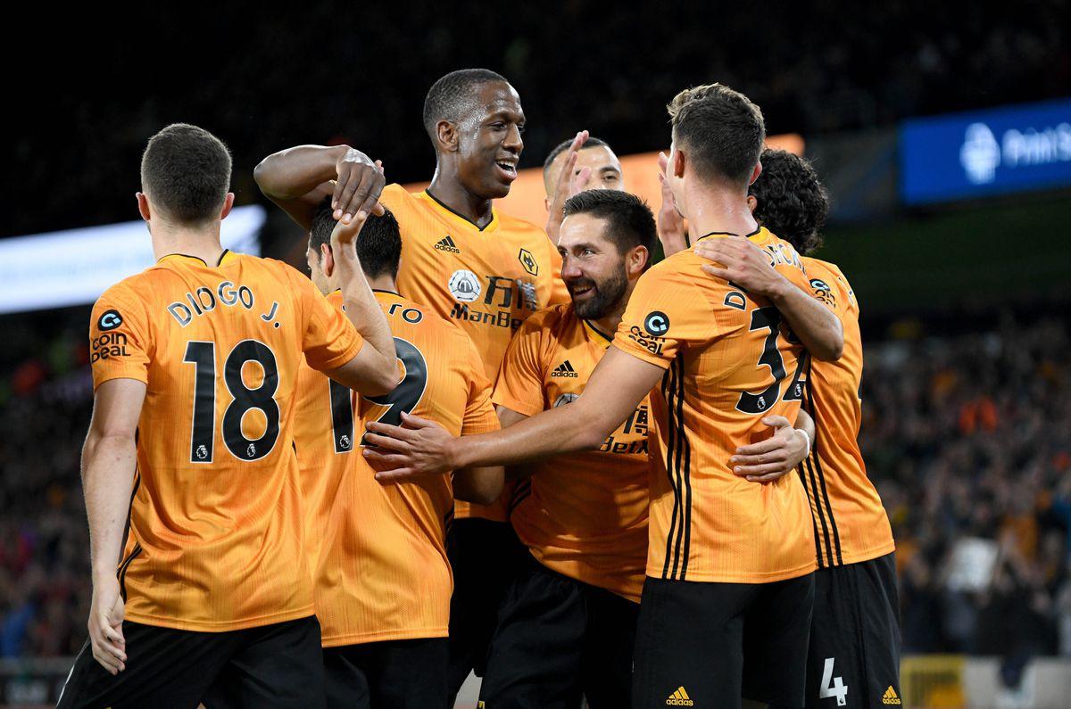 Leander Dendoncker of Wolverhampton Wanderers celebrates after scoring a goal to make it 2-1 (AMA)
