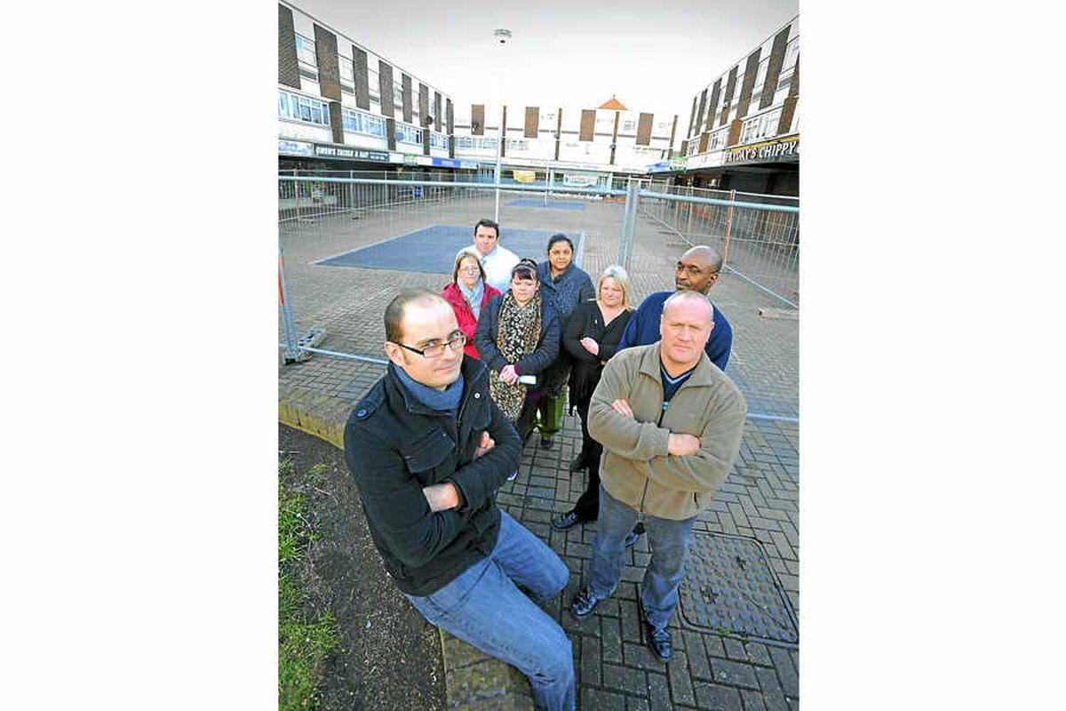 Hundreds oppose bid for open air market in Tipton