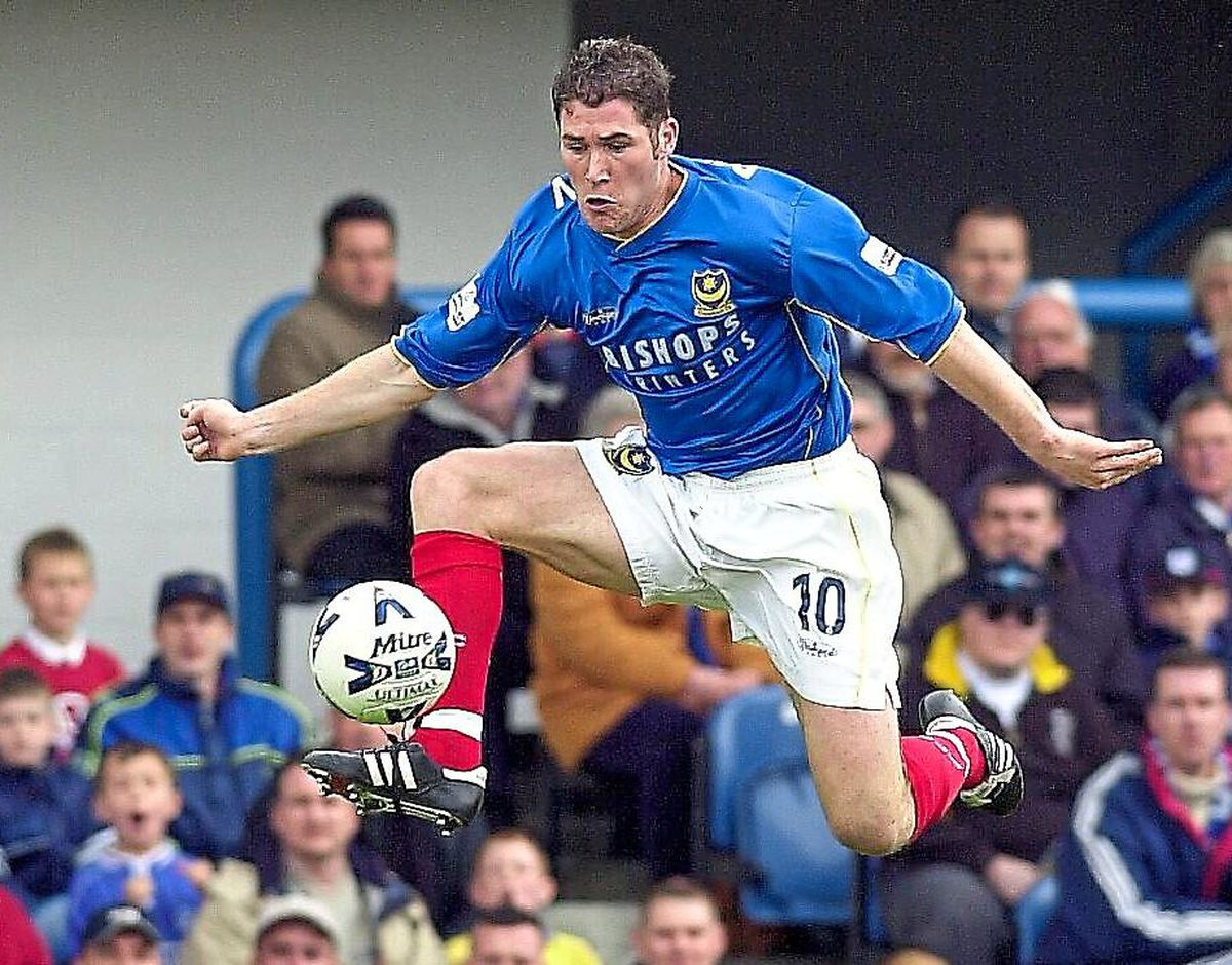 Lee Bradbury in action for Portsmouth.
