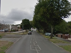 Appeal after 'hammer-wielding' thieves target group in car