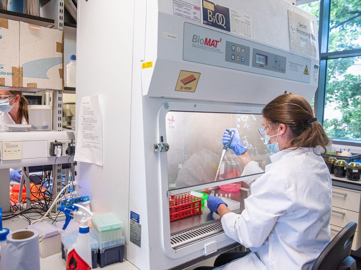 U.S. starts first air shipment of Pfizer's COVID-19 vaccine