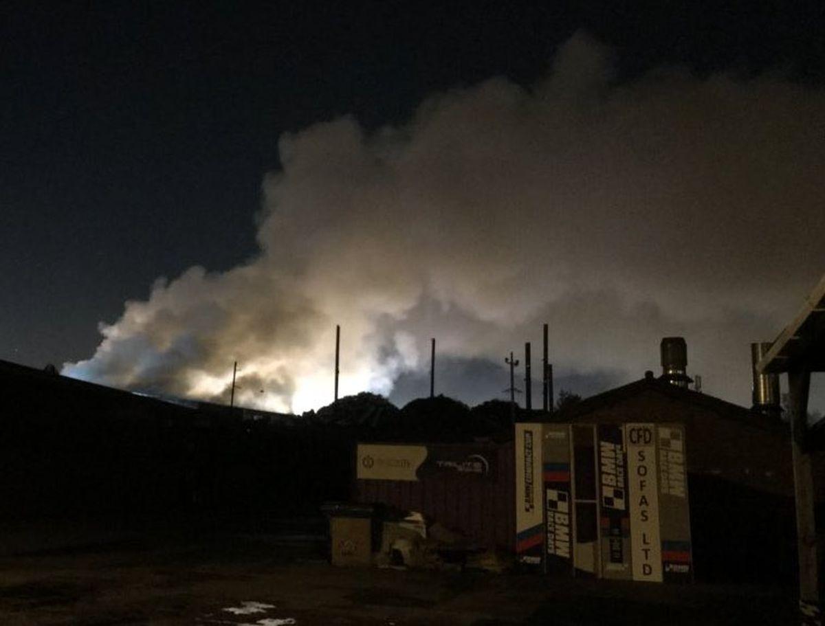 Smoke billows into the sky. Photo: @thewulfran